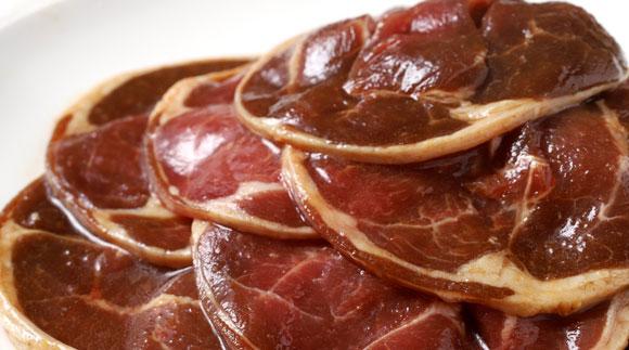 [Ta505-P061]真心お肉屋さんのうめぇ~ジンギスカン ひつじの誘惑 味付ラム肉(ロール)300g×5