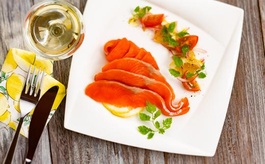 22-45 無添加天然紅鮭・スモークサーモン食べ切りサイズ(2セット)【ひとり晩酌・家飲みにピッタリ】