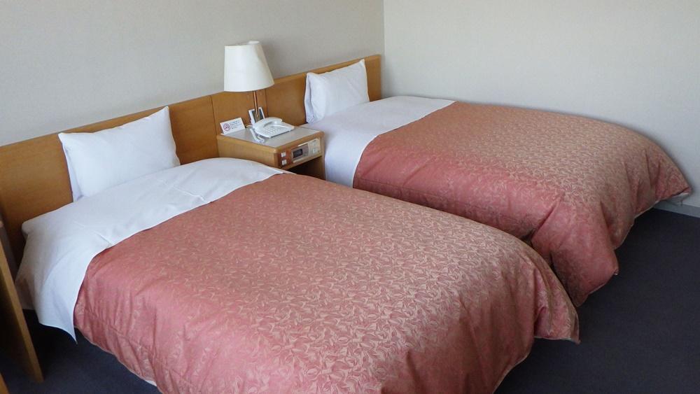 ホテルさるふつ宿泊券 一泊 2名1室(2食付き)【13002】