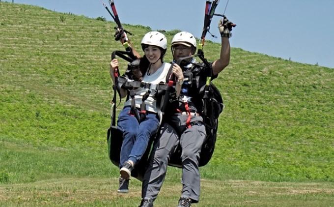 【男鹿寒風山でパラグライダー!!】パラグライダー遊覧飛行体験コース 2名様