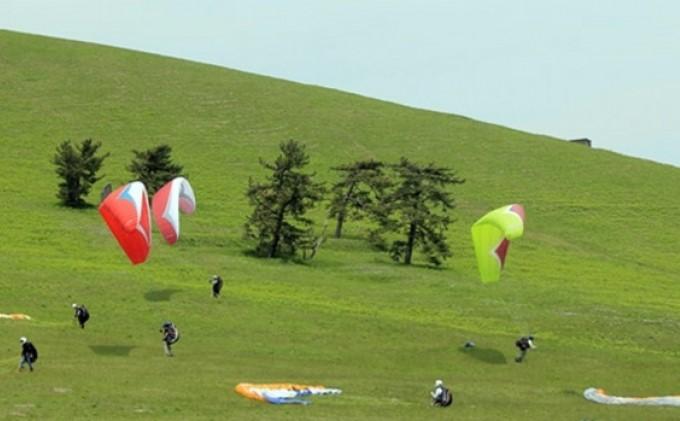 【男鹿寒風山でパラグライダー!!】パラグライダー遊覧飛行体験コース 5名様