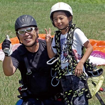 【男鹿寒風山でパラグライダー!!】パラグライダー遊覧飛行体験コース 6名様