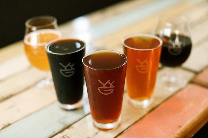 自家醸造のクラフトビール飲み放題付ペアお食事券