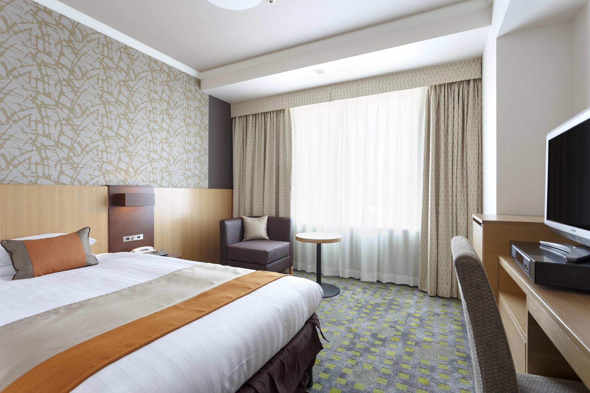 《おひとり様の贅沢渋谷ステイ》インルームダイニングランチ付きホテルステイプラン