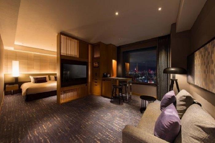 セルリアンタワー東急ホテル 東京・渋谷の高層階スイートルーム宿泊+ フランス料理クーカーニョでのフルコースディナー