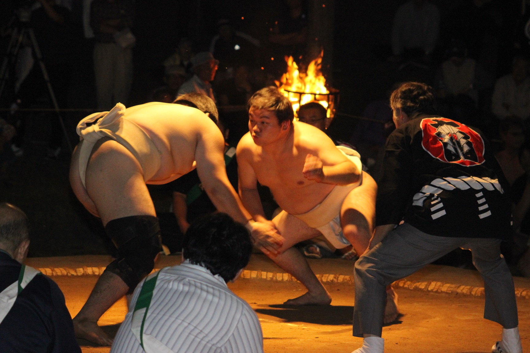 日本三大辻の一つ 二千年の歴史 唐戸山神事相撲