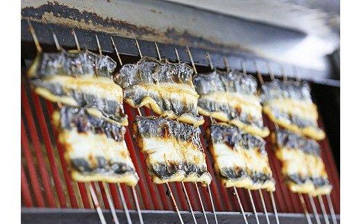 [5839-1510] 【中央市共通返礼品】国産うなぎ関東風蒲焼き・白焼き食べ比べセット 計 約560g 職人による手焼き 冷凍真空パックでお届け!
