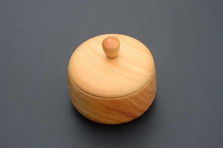 No.131 白川産樹齢250年の木材を使った器③