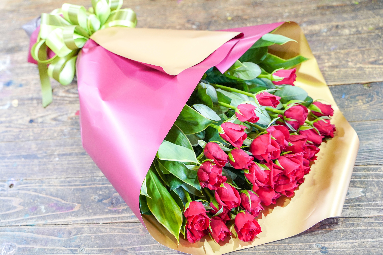 【豪華な30本】真っ赤なバラの花束 H092-020