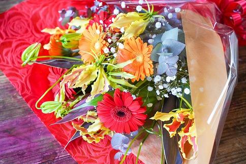 【卒業・送別ギフト】栄光・炎の花 グロリオサの花束 別送可能 H092-018