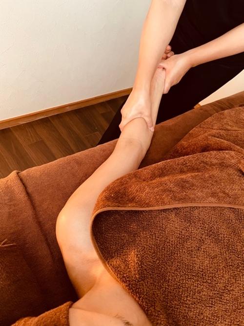 リラクゼーションサロンu.d.a オイルトリートメント 90分 利用券(1名様)/デトックス アロマ 漢方オイル 宇陀市産 和ハーブオイル 健康 美容 免疫力アップ
