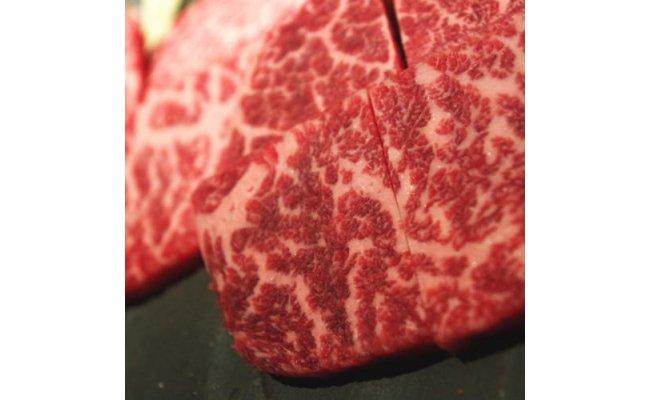 AB6142_【和歌山県特産和牛】《熊野牛》極上モモ焼肉用500gA4ランク以上