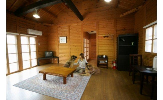 AL6006_ペットと泊まるログコテージの宿『パートナーズハウスゆあさ』3名様宿泊券(1泊2食付)