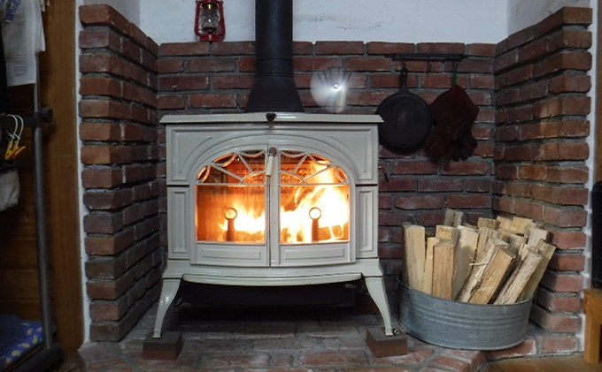 薪ストーブに最適!しっかり暖かい「カシ・クヌギ」乾燥薪(40cm)12kg