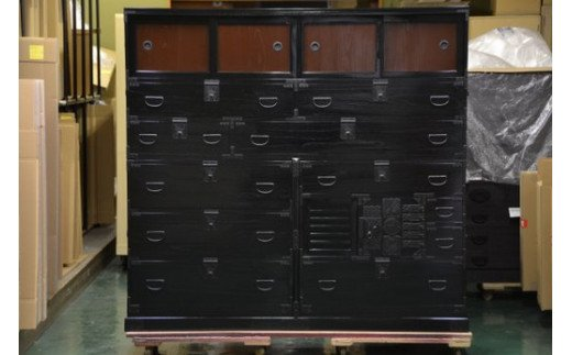 AH070 漆箪笥再生(リフォーム)-漆風仕上げ- 幅180cm