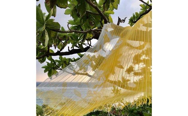 黄金色のショール 福木染め